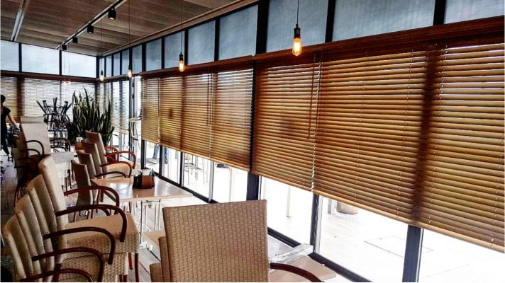 צלונים מעץ למסעדה